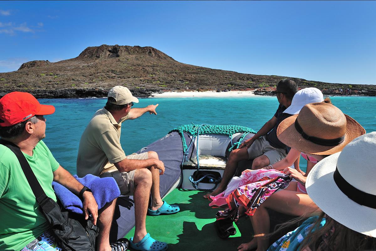 beach hopping galapagos islands